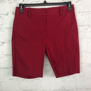 Ann Taylor red Bermuda short NWT